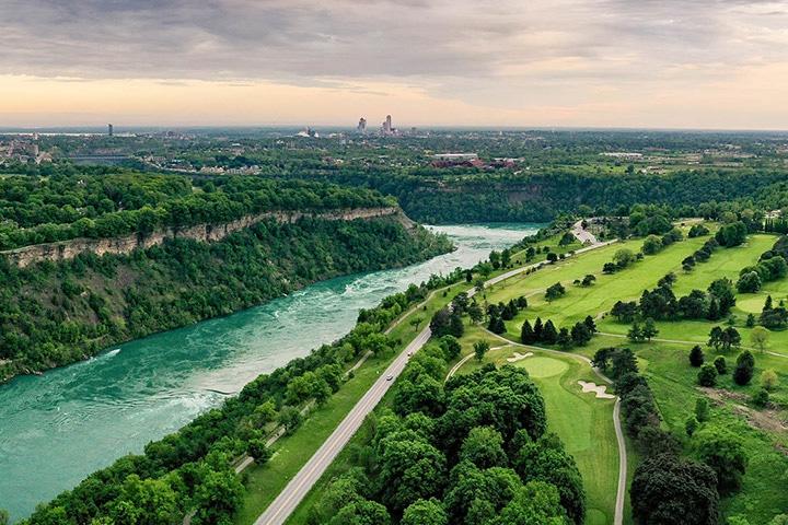 Photo Niagara Parkway Scenic Drive